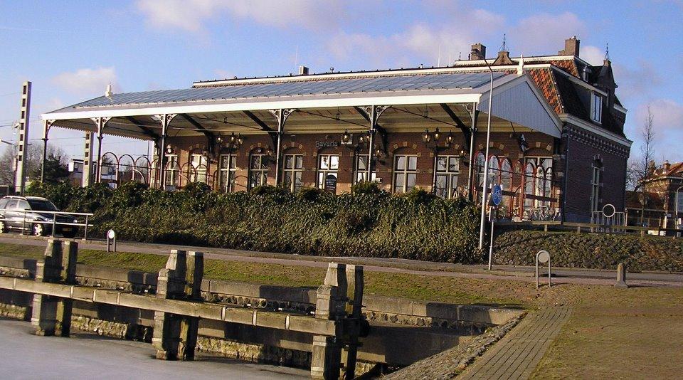 Happie Doen - Stationscafe Enkhuizen